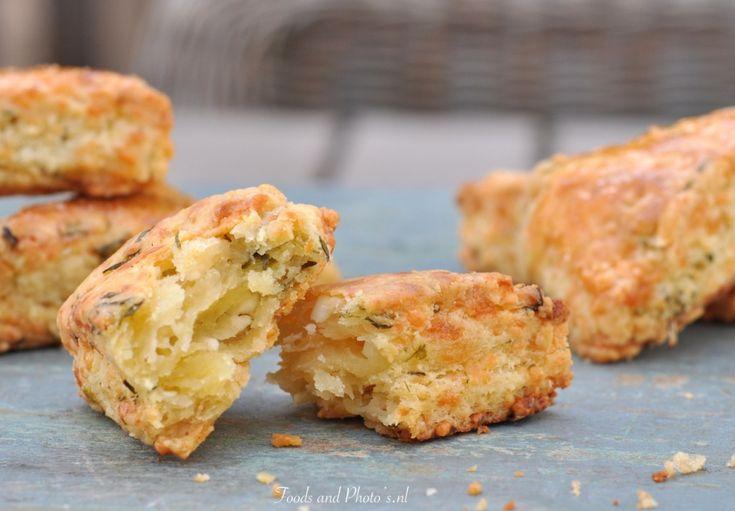 """""""Bouikos"""": hartige scones met kaas"""