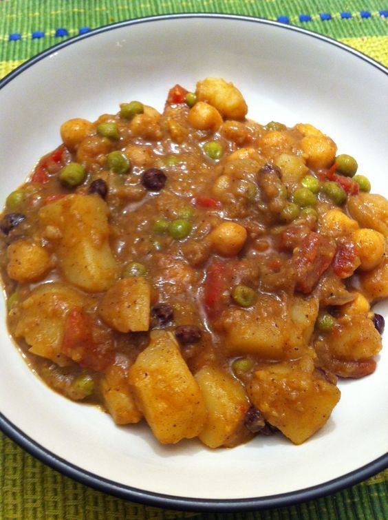 Yummy! Vegan Potato Curry. This was dinner tonight. Got it a bit too spicy for the littles, but they ate it anyhow with a big glass of milk.