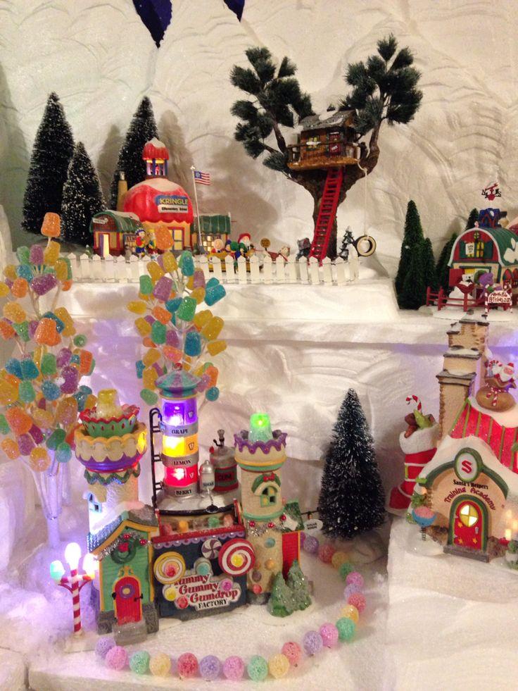 Department 56 Peanuts Christmas Village