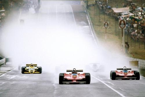 Gilles Villeneuve & Jody Scheckter leading the 1979 South African Grand Prix at Kyalami in their Ferrari 312T4's