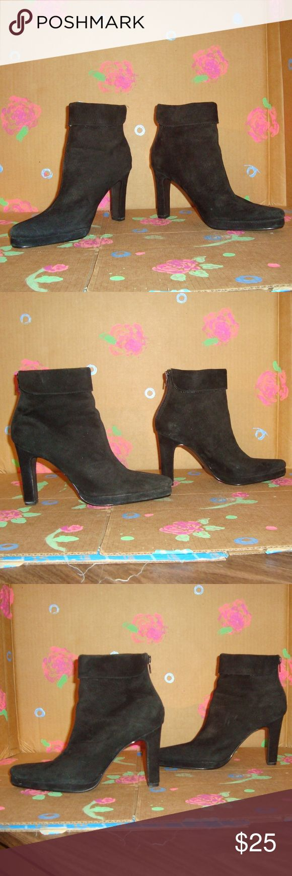 Colin Stuart Black Suede Boots Booties Size 7 Colin Stuart Black Suede Boots Booties Size 7  Style 128698-093 In Good Pre-Owned Condition Gently worn, zips at back of heel Leather Upper, Balance Man Made * Defect Noted Half Inch Cut on inside of Right Shoe (Not noticeable when worn) PLEASE SEE PHOTOS - THANK YOU! Colin Stuart Shoes Ankle Boots & Booties