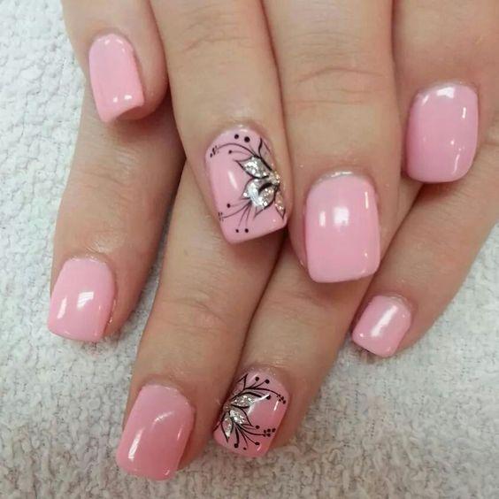 Flower nail art. Pink.