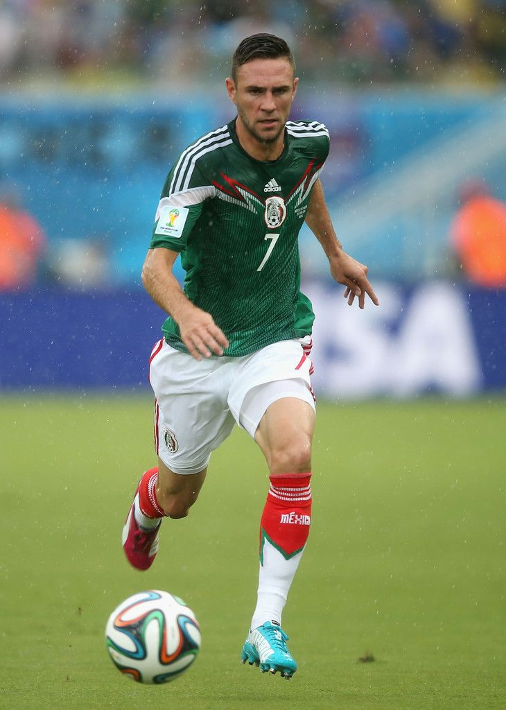 Miguel Layun of Mexico controls the ball during the 2014 FIFA World Cup Brazil Group A match between Mexico and Cameroon at Estadio das Dunas on June 13, 2014 in Natal, Brazil.