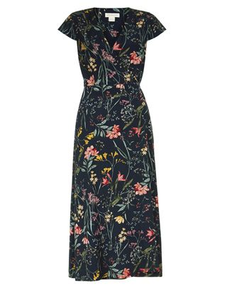 With its midi length and flattering wrap design, our Meadow dress is sure to be a key piece in your daywear collection. A pretty floral print and cap sleeves...