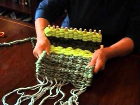 How to use a peg loom. For more information visit www.thehandweavingcompany,co,uk