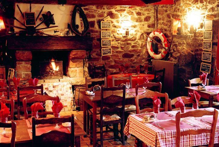 Restaurants and pubs | Office de Tourisme de Fréhel Loved this place, La Clepsydre - Frehel.  Great astmosphere, lovely hosts, great food.  And fantastic vintage and antique decor.