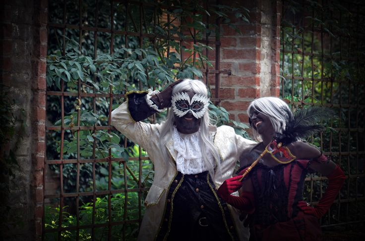 Shalka and Tyala from Leodhrae http://www.aurorafilippi.com/  Photo by: Francesca Solari https://www.facebook.com/Francesca-Solari-Photography-454269394624161/ Location: Grazzano Visconti (Italy) #leodhrae #fantasy #costume #cosplay #book #novel #fairyland
