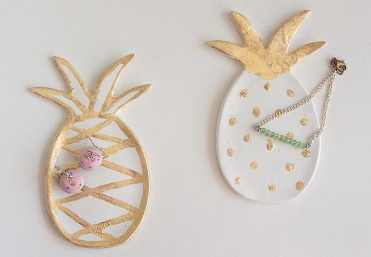 DIY Tutorial DIY Clay Jewelry Dish / DIY Gold Leaf Pineapple Ring Dish - Bead&Cord