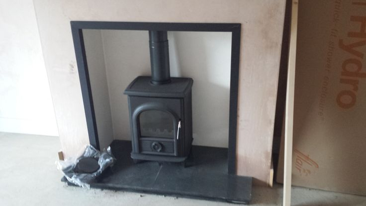 Alpha 1 Stove with Black Steel Trim