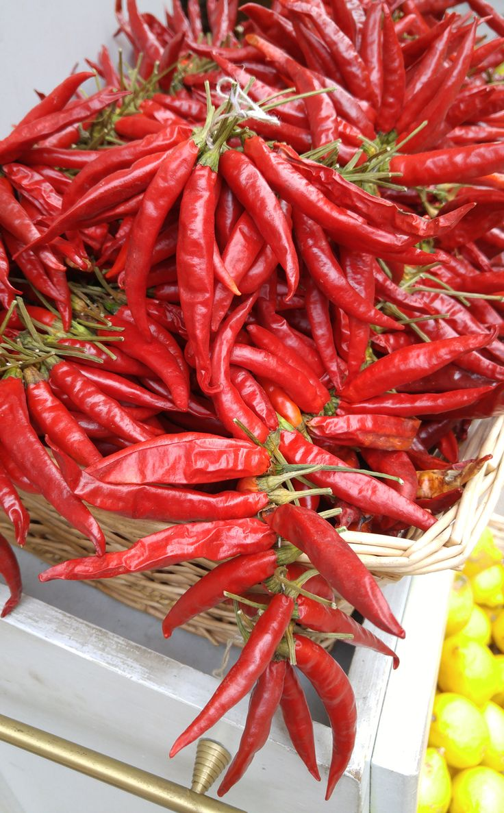 Tried & True Hot Pepper Thai Dragon: loaded with slender birds-eye chillis that are full of flavour and heat.
