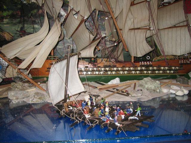 Maqueta de la Medusa y la balsa (bateaudumonde.skynetblogs.be)  A veces, el mar saca al exterior lo peor del hombre.