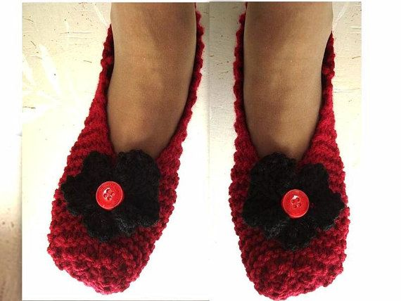 Knitting Pattern For Slippers Beginners : KNITTING PATTERN, Basic Beginner Unisex Slippers, baby to adult sizes?