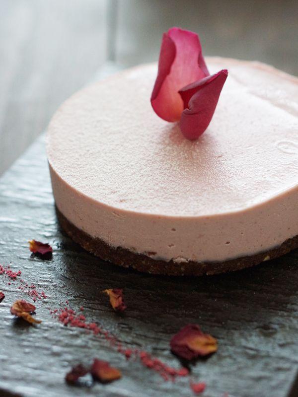 ローズ生ケーキ(rose raw cake)