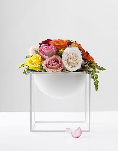 Kubus Bowl large, white, by Lassen Flowers & Summer