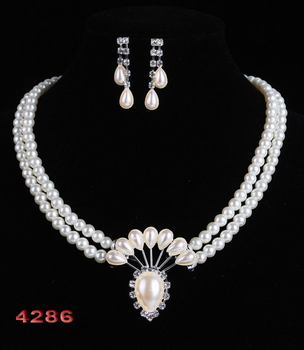 Cheap gift bags jewelry, Buy Quality jewelry vogue directly from China gift cat Suppliers:    Free Shipping 2014 Classic Imitation Pearl Wedding Jewelry Set Gift Silver Plated Clear Crystal  White Pearls