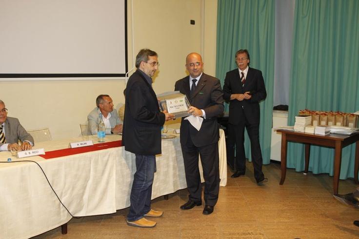 """Lo scrittore Michele Marziani vince il Premio Letterario Nazionale Tracce di Territorio con il libro """"I sapori della terra di mezzo"""""""