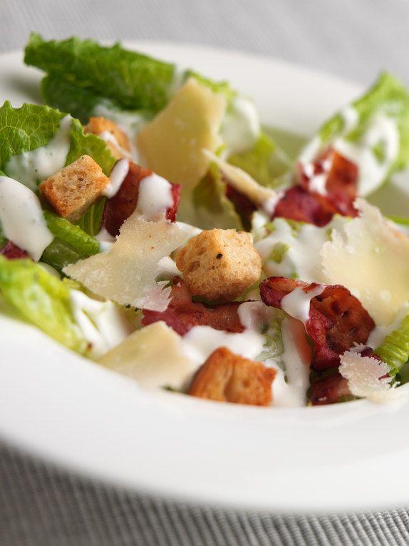 Un grand classique... Retrouvez la recette de la salade Caesar