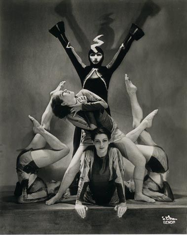 Dora Kallmus (Madame D'Ora) :: The Demon Machine, choreography by Gertrud Bodenwieser, 1924