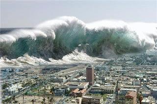 Maremoto es un evento complejo que involucra un grupo de olas de gran energía y de tamaño variable que se producen cuando algún fenómeno extraordinario desplaza verticalmente una gran masa de agua. Ocurrio el 25 de diciembre de 2004 en el océano Índico.