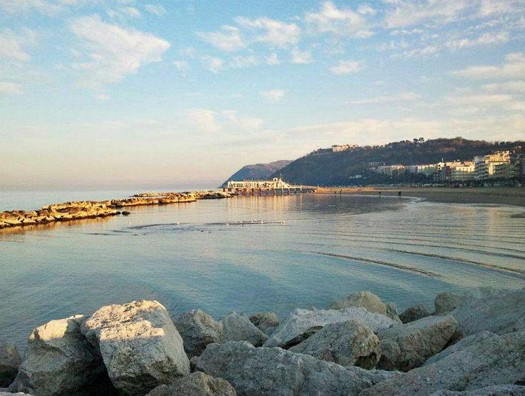 Uno sguardo dal porto #gabicce #destinazionemarche #mare #hotelacrux
