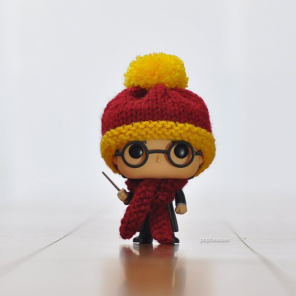 Knitted Beanie And Scarf Sets For Funko Pop Vinyls Are So Cute I Can Barely Stand It