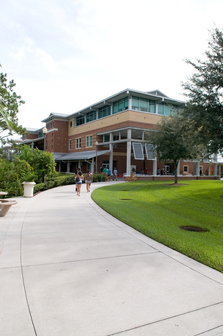 Academic programs at the Oviedo Campus range from arts, technology and English, to foreign language and career certification. Convenient day, evening, weekend and distance learning classes are available to accommodate most students' schedules. http://www.seminolestate.edu/?utm_source=Pinterest_medium=Link_campaign=Virtual%2BTour