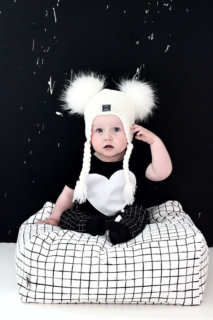 Monochrome Kid's Pouf