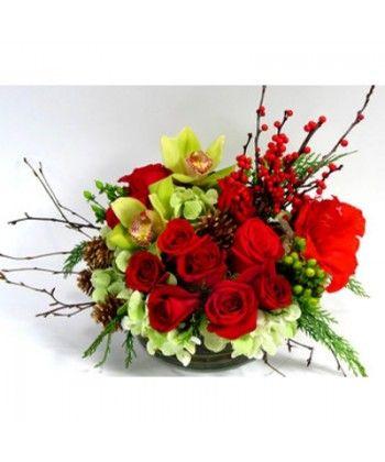 Aranjament de craciun cu orhidee, frezii, trandafiri