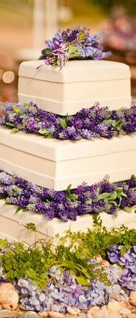 Lavender Wedding Cake. Love it but I'd add a simple pattern to those layers in between