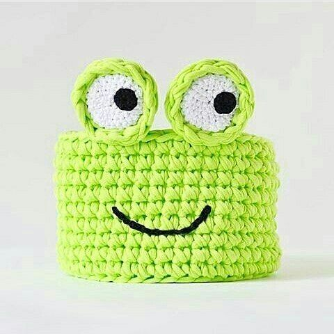 . @amiga_yarn #crochet #crochetlove #crochetlover #crochetaddict #crochê #crocheting #knitting #penyeip #knittinglove #knittingaddict #trapillo #knitofinstagram #handmade #handmadewithlove #elişi #örgü #örgügram #örgüçanta #örgüsepet #örgümüseviyorum #sevgiyleörüyoruz #örgüterapi #örgüaşkı #fiodemalha #inspiration #cestofiodemalha #battaniye #bebekbattaniyesi #örgübattaniye #örgüoyuncak