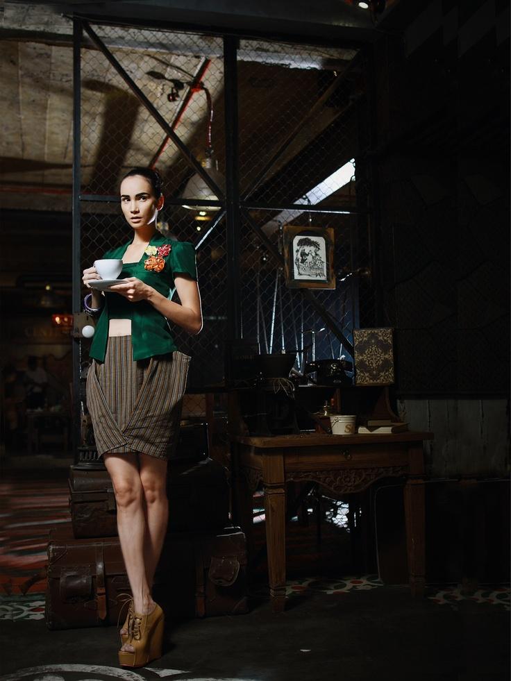 In this portfolio: Model by Usmanova Ilmira/ Make up & hair do by Sahira Banu/ Stylist by Fei/ Kebaya kutu baru & origami skirt by Fei/ Photo by Dion Patria/ Location at Sinou Kaffee