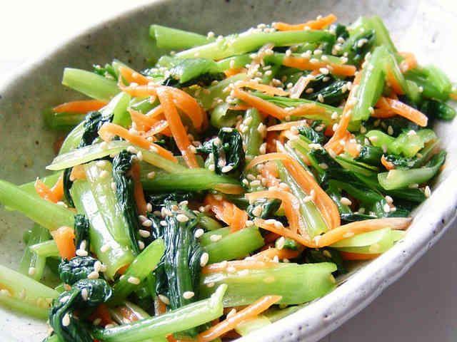 簡単ナムル風で小松菜タップリ!の画像