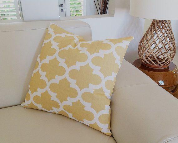 25 beste idee n over gele kussens op pinterest gele kussens gele kamer decor en gele kussens - Modern volwassen kamer behang ...