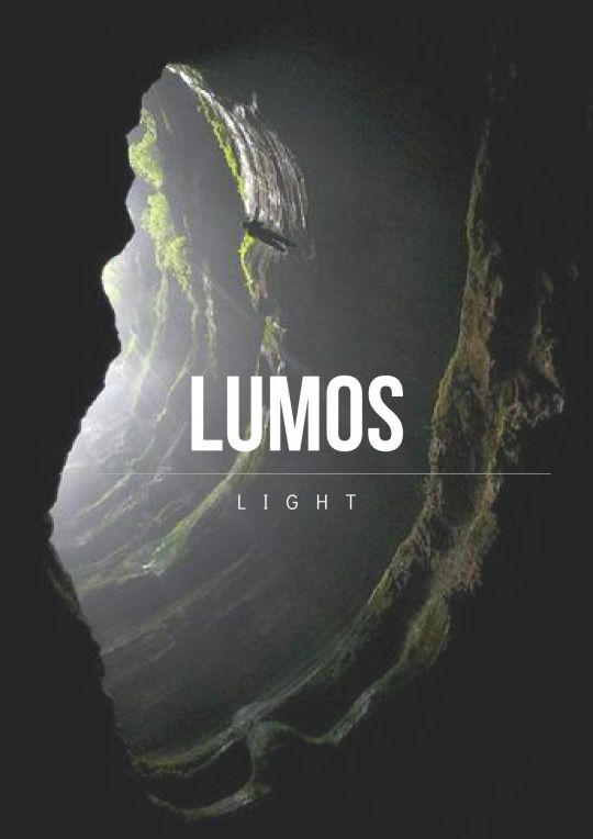 Lumos  Lässt Am Ende Des Zauberstabs Ein Licht Aufleuchten
