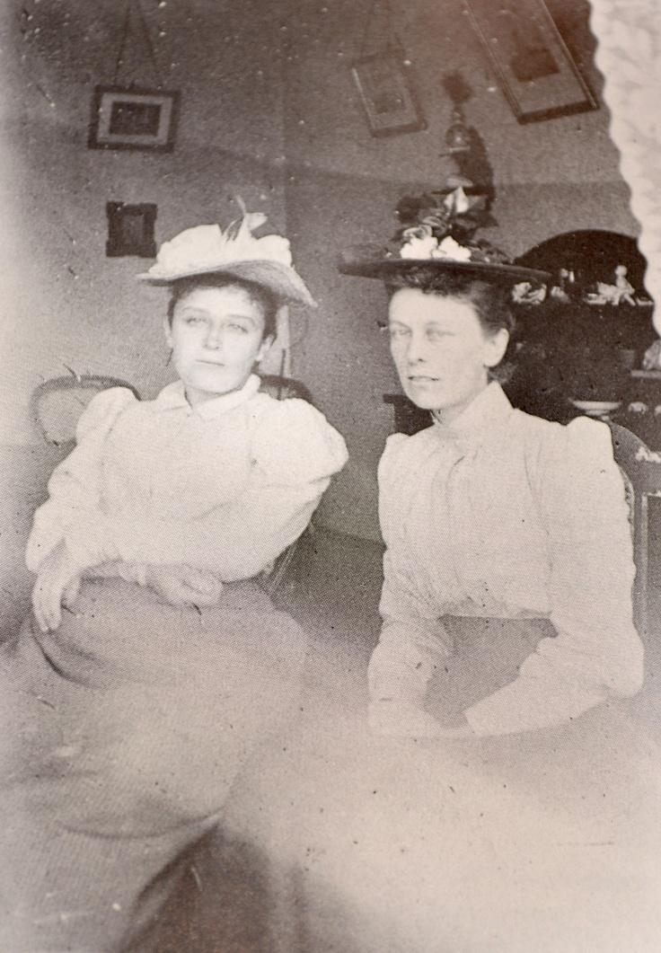 Anonyme-Camille Claudel et Florence Jeans à Shanklin,Ile de Wight,1886.