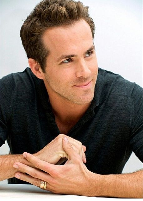 Ryan Reynolds (Hannibal King) from Blade Trinity.He also played Deadpool in X Men Wolverine Origins.