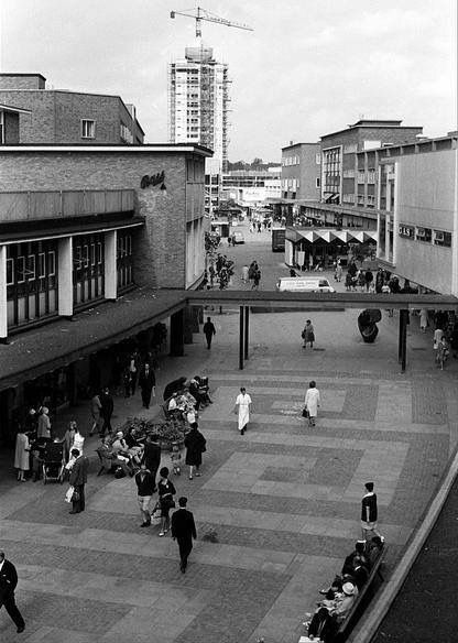 Smithford Way, Coventry, with the Market Tavern public house to the left and the Gas showroom on the right