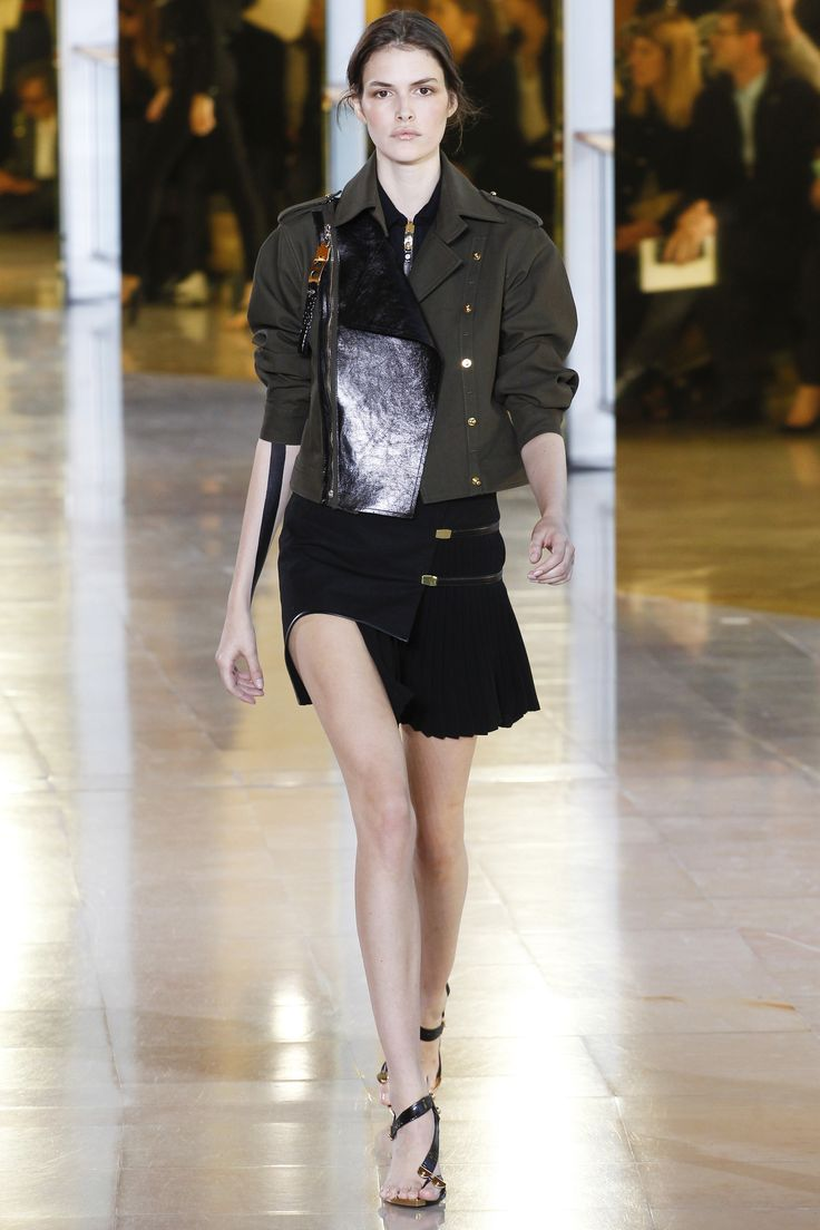 Anthony Vaccarello Spring 2016 Ready-to-Wear Fashion Show - Edie Campbell (Viva):