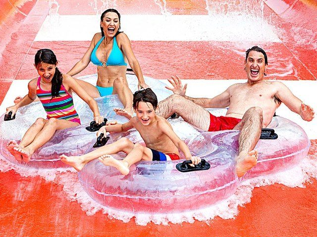 Today on the buzz list, summer is nigh and we're here to get you high. High in the air that is! Donna Ruko and Jared Cotter are counting down the top four water parks in America.
