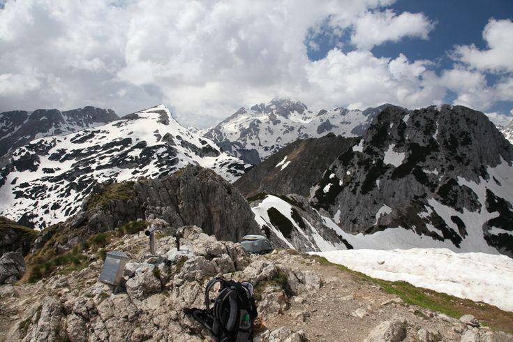 Wandeltochten: Een voudige bergwandeling met een inspannende eerste klim naar een populaire top, de Visevnik aan de oostkant van de Julische Alpen.