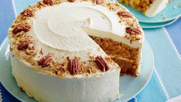 Κέϊκ καρότου με επικάλυψη κρέμας τυριού! | Sokolatomania.gr, Οι πιο πετυχημένες συνταγές για οσους λατρεύουν την σοκολάτα και τις γλυκές γεύσεις.