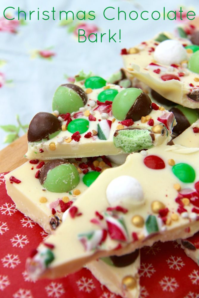 Christmas Chocolate Bark! Delicious Christmas themed Chocolate Bark full of all of your favourite sweets – perfect homemade gift idea!