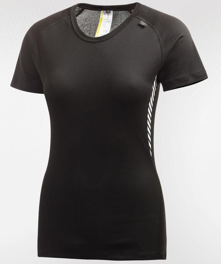 Helly Hansenin Dry Dynamic -paita toimii aluspaitana hikiliikunnassa. Suositushinta 30,00 euroa #hellyhansen