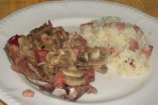 Bolinho de Coco: Costeletas de porco com bacon e cogumelos