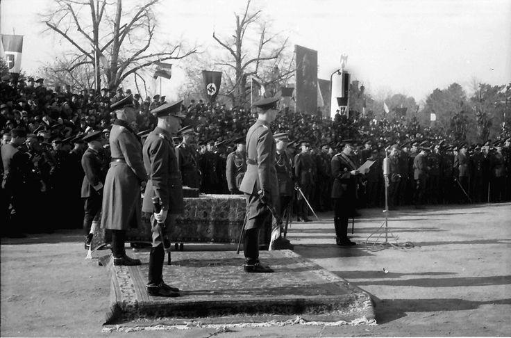 E10.Bukarest.Einzug der rumänischen Truppen von Odessa, König (Mihai I.), (Marschall Ion) Antonescu - Generalfeldmarschall (Wilhelm) Keitel