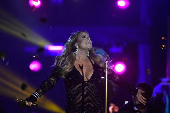 Mariah Carey Photos - Mariah Carey performs on stage during the ceremony of the World Music Awards at Sporting Monte-Carlo on May 27, 2014 in Monte-Carlo, Monaco. - World Music Awards Ceremony