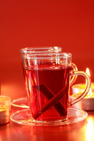 Glögg (Mulled Wine)  Se recept på julens drycker: http://www.juligen.se/julmat.php?cid=4