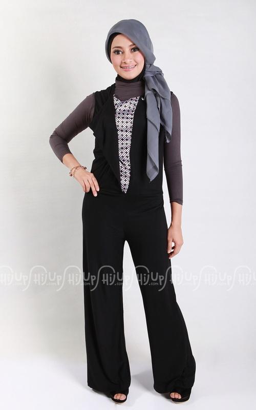 'Black Cora Jumpsuit' by Delisha Hijab. Fits you with $25.70 click www.hijup.com