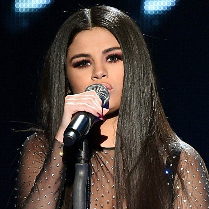 """Selena Gomez Puts Her Heart on the Line For a Performance of """"Same Old Love"""""""