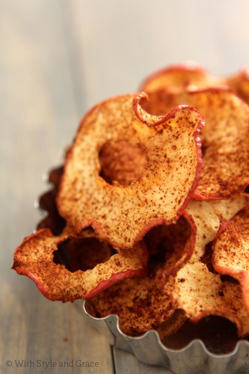 Baked Cinnamon Spiced Apple Chips